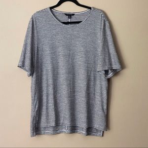 Banana Republic black striped t-shirt